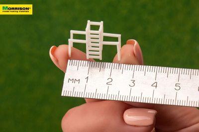 Модель тренажера «Брусья со шведской стенкой» в масштабе 1:150