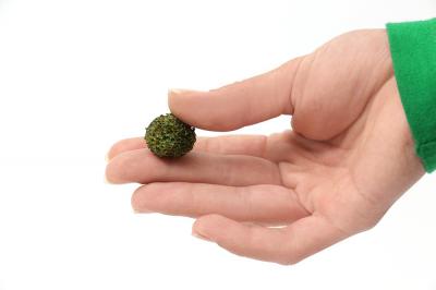 Поролоновые шарики темно-зеленые. 20шт. 15-20мм.
